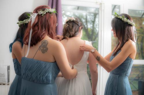 Couronne de gypsophile pour les demoiselles d'honneur aromatique fleuriste mariage