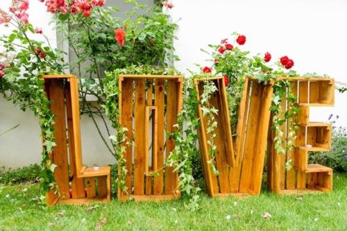 lettres love en location aromatique fleuriste mariage