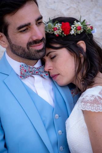 Couronne de fleurs champêtres et colorées aromatique fleuriste mariage