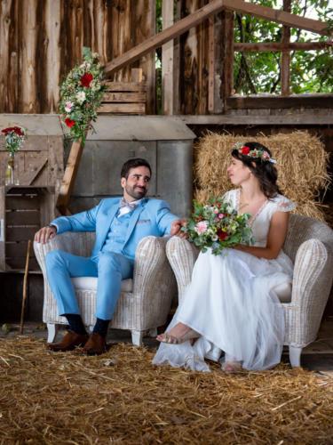 Arche fleurie champêtre et colorée aromatique fleuriste mariage