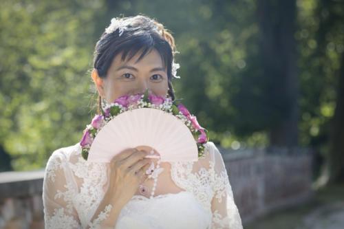 Bouquet de mariée original en forme d'éventail aromatique fleuriste mariage