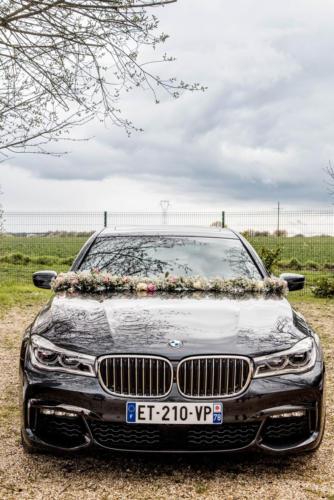Guirlande fleurie pour orner le capot de voiture aromatique fleuriste mariage
