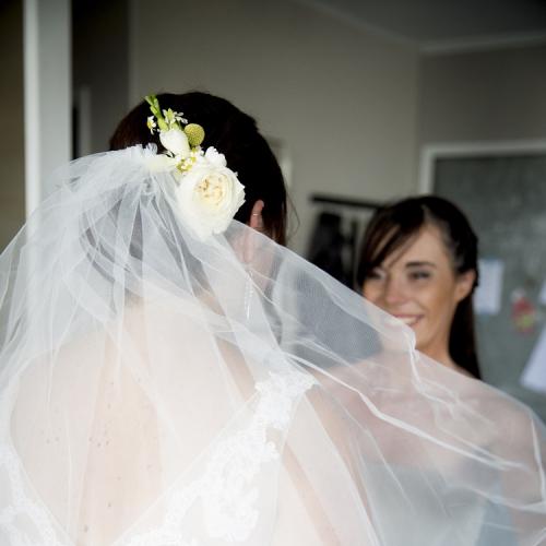 Peigne fleuri pour la mariée aromatique fleuriste mariage