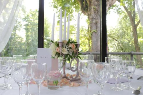 Chandelier fleuri centre de table pastels aromatique fleuriste mariage