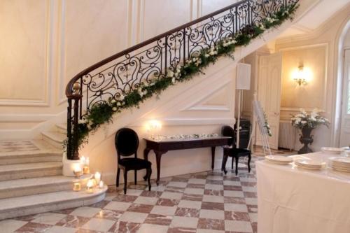 escalier fleuri aromatique fleuriste mariage