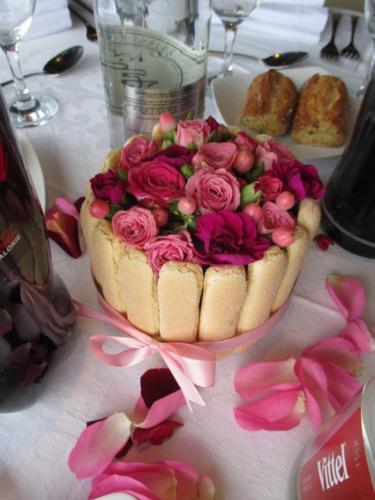 Centre de table original composition gourmande aromatique fleuriste mariage