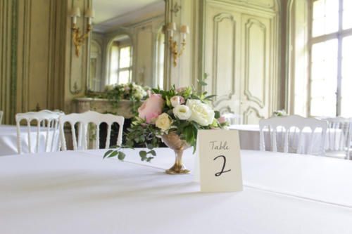 Centre de table champêtre en pivoines aromatique fleuriste mariage