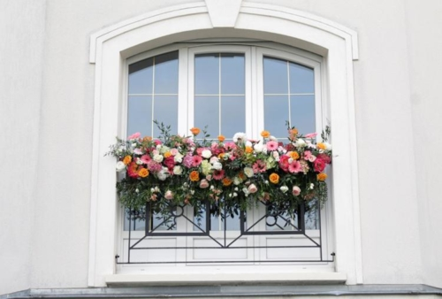 fenêtre fleurie aromatique fleuriste mariage