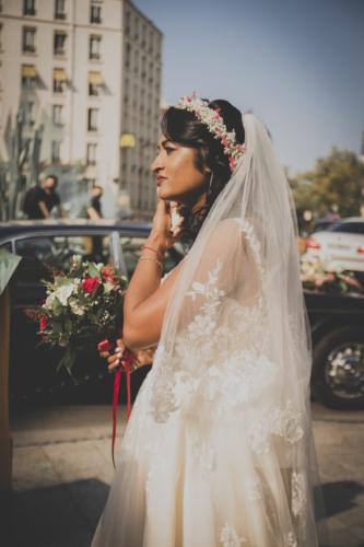 Couronne fleurie blanche et rouge aromatique fleuriste mariage