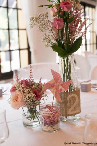 Bocaux et bouquets roses champêtres aromatique fleuriste mariage
