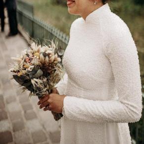 Bouquet de mariée rond en fleurs séchées aromatique fleuriste mariage