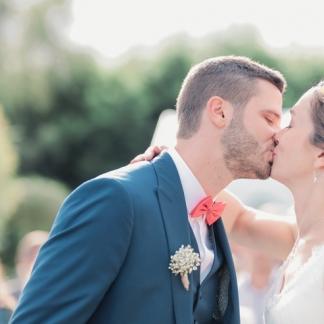 Boutonnière en gypsophile aromatique fleuriste mariage