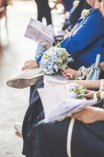Bouquet de fleurs champêtres pour les témoins de la mariée aromatique fleuriste mariage