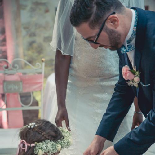 Boutonnière rose et blanche aromatique fleuriste mariage